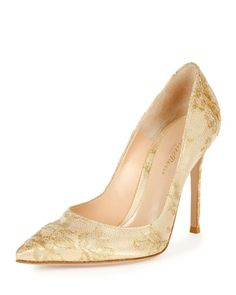 Lace+Point-Toe+105mm+Pump+by+Gianvito+Rossi+at+Bergdorf+Goodman.