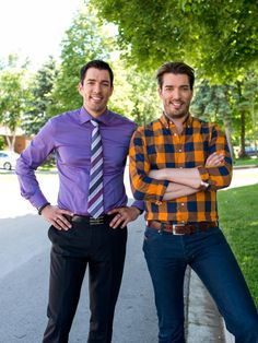 Portrait of Drew Scott (L) and Jonathan Scott (R), as seen on HGTV's Buying and Selling With the Property Brothers