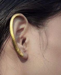 Lisa McConniffe 爱: Raw gold // MAC pigment by 💛✨✨✨ . Eye Makeup, Runway Makeup, Gold Makeup, Makeup Art, Makeup Tips, Beauty Makeup, Hair Makeup, Makeup Ideas, Crazy Makeup