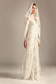 I wish that my wedding dress is like this.. But the fact is.. NOT