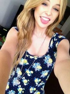 I'm completely straight, but if Acacia ever turns into a lesbian... so will i