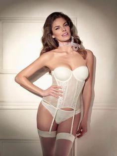 El corselet es la prenda perfecta para los vestidos de novia... este de la colección Firenze es ideal!