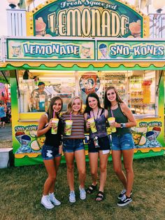 me, maddie, carson, and gracie - Blackpinto Best Friend Pictures, Bff Pictures, Cute Photos, Fair Pictures, Friend Pics, Bff Pics, Best Friend Goals, My Best Friend, Best Friends