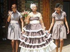 Paballo's world: Mr & Mrs Nxumalo - Traditional Wedding South African Wedding Dress, African Traditional Wedding Dress, Traditional African Clothing, South African Weddings, Traditional Weddings, African Attire, Mr Mrs, Cute Designs, African Fashion
