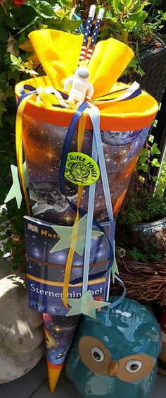 Schultüten -  Erde/Weltall/ Astronaut  -  Schultüte/ Zuckertüte - ein Designerstück von XBergDesign2 bei DaWanda