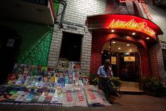 Now That's Entertainment in Park Street, Kolkata | Padhaaro