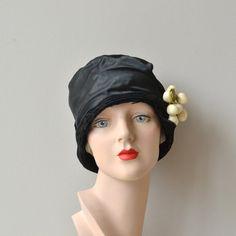 Fifinella cloche 1920s cloche hat vintage 20s hat by DearGolden