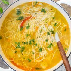 Simple Russian Soup - Valentina's Corner Diner Recipes, Gourmet Recipes, Cooking Recipes, Healthy Recipes, Curry Recipes, Brothy Soup Recipes, Healthy Soup, Crockpot Recipes, Russian Soup Recipe
