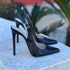 Slingback Shoes, Pumps Heels, Stiletto Heels, Slingbacks, Fancy Shoes, Me Too Shoes, Sock Shoes, Shoe Boots, Black Leather Corset