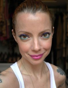 Love this two toned eye from Julia Petit