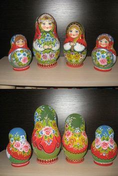 Traditional russian nesting dolls by artist Valentina Partanen. Find more beautiful matryoshka dolls at: www.ebay.com/usr/dmitritihonovic0