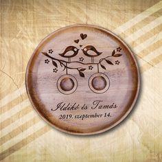 Kör alakú gyűrűtartó fából egyedi elképzelés alapján - Mívesfa #esküvő #nászajándék #esküvőajándék #gyűrűtartó Unique Presents, Your Favorite, Wedding Gifts, Romantic, Gift Ideas, Creative, Wedding, Wedding Day Gifts, Wedding Favors