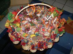 Mon panier de confiserie en madras Coral Wedding Decorations, 70th Birthday Parties, Goodie Bags, Party Favors, African, Invitations, Club, Creations, Aloe Vera