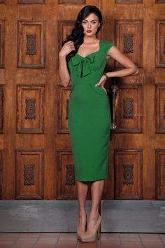 Stop Staring! - 50s Envy Me Pencil Dress in Vintage Green