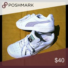 White Puma Sneakers Gently Used..worn only 3 times no insoles Puma Shoes Sneakers