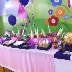 Candy table... ♥ the boxes idea..