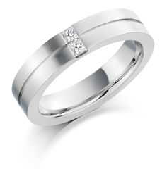 The #stunning #Platinum 4.5mm Serena #diamond #wedding #ring