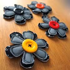 virkattu heijastin ohje - Google-haku Sowing Projects, Craft Projects, Craft Ideas, Hobbies And Crafts, Diy And Crafts, Arts And Crafts, Flower Crafts, Diy Flowers, Fabric Scraps
