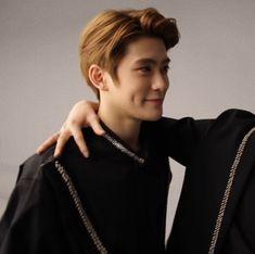 #jaehyun THAT DIMPLE SMILE THOUGH ASDFGJYDJYRFNUVHFKCU