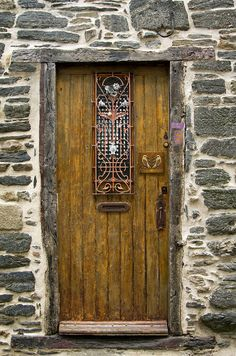 Morlaix door by theaspiringphotographer, via Flickr