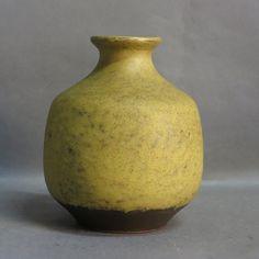 Ceramic vase. Fritz van Daalen. Germany 1950 - 1960.
