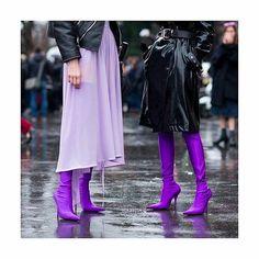 Purple rain 🌹 #Paris#fashionstyle #streetstyle #frenchblogger #shoesaddict #blogmodeandlifestyle #ootd #whattowear #shoppingaddict #sincerelyvandy #pfw17 #Balenciaga