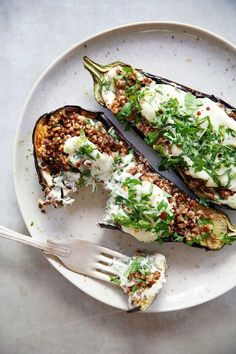 Loaded Grilled Eggplant Creamy Herb Sauce Vegetarian dairy-free BBQ Summer gluten-free paleo-friendly Lexi s Clean Kitchen Paleo Recipes, Whole Food Recipes, Cooking Recipes, Meat Recipes, Free Recipes, Recipes Dinner, Dessert Recipes, Vegan Recipes Summer, Cool Recipes