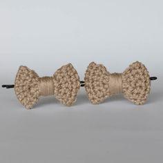 Barrette noeud au crochet, made in France. www.histoiredecadeau.com