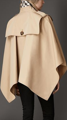Shop the latest womenswear from Burberry including seasonal trench coats, leather jackets, dresses, denim and skirts. Abaya Fashion, Fashion Dresses, Iranian Women Fashion, Womens Fashion, Fashion Week, Winter Fashion, Cape Designs, Dress Sewing Patterns, Coats For Women