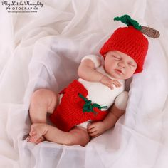sweet strawberry uniform Halloween Costumes Toddler collection Twin Babies, Twins, Twin Baby Clothes, 3 Years Old Baby, Unique Halloween Costumes, Toddler Costumes, Crochet Hats, Strawberry, India