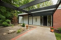 Mid-Century Modern Design: Ferris Home by MCM architect Bruce Walker in Spokane (designed in 1954 and built in 1955)