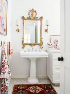 Learn the secrets of do-your-own-thing design from this clever-thinking Austin, TX, homeowner.HGTV Magazine takes you inside.