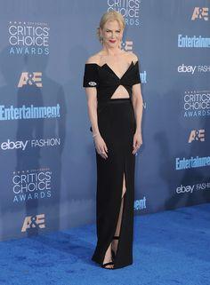 Nicole Kidman en Brandon Maxwell, chaussures Gianvito Rossi, bijoux Fred Leighton et montre Omega