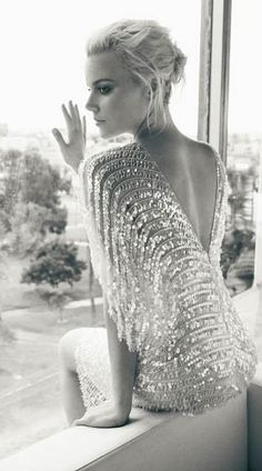 V-Back Sparkle ♥ Abbie Cornish