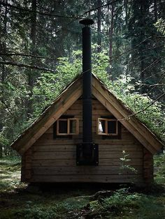 A little cabin in the woods. I know it's not a tree house, but it is in the woods. Tiny Cabins, Cabins And Cottages, Log Cabins, Little Cabin, Little Houses, Small Houses, Cabin Homes, Log Homes, Cabin In The Woods