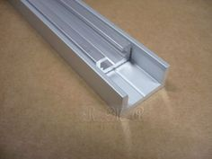 """T-Slot Track ¼"""" - Clicca l'immagine per chiudere Table Saw Jigs, Router Table, Sliding Table Saw, Tool Rack, Wood Creations, Simple House, Tool Box, Sliding Doors, Wood Crafts"""