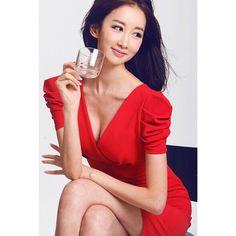 #최이윤 #광고모델 #다이어트티 #중국 #베이징 #model #beijing  항상 빨간색 #립스틱 아니면 빨간색옷!  #diet #다이어트 #피오레윤 ✨