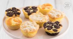 Grundrezept für schnelle Käsekuchen-Muffins mit Streuseln, Mandarinen oder Schokolade (Zupfkuchenmuffins). Knusprig, cremig und soo lecker! Mini Muffin Desserts, No Bake Desserts, Vegan Muffins, Mini Muffins, Sweets Cake, Cupcake Cakes, Cupcakes, Cake Filling Recipes, Cake Fillings