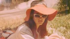 Guarda+il+video+di+'Honeymoon'+mai+rilasciato+da+Lana+Del+Rey