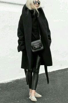 A gorgeous total black outfit