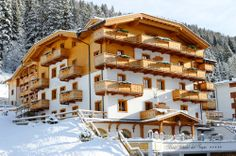 View deals for Hotel Chalet del Sogno. Luxury-minded guests enjoy the free breakfast. WiFi and parking are free, and this hotel also features a spa. Ski Hire, Eco Label, Bar Lounge, Mountain View, Luxury Travel, Madonna, Around The Worlds, Cabin, Mansions