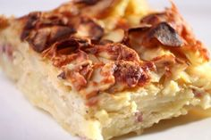 gratin-dauphinois Slow Cooker Recipes, Crockpot Recipes, Cooking Recipes, Slow Cooking, Finger Foods, Lasagna, Mashed Potatoes, Breakfast Recipes, Side Dishes
