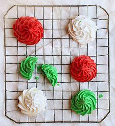 Christmas Meringue Cookies via @Amanda Snelson Rettke