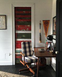 .@HotChildStudio's office is pretty great