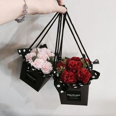 How To Preserve Flowers, How To Wrap Flowers, Diy Flowers, Flower Boxes, Paper Flowers, Flower Delivery, Flower Packaging, Flower Designs, Konfekt