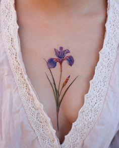 Floral Tattoo Design, Henna Tattoo Designs, Flower Tattoo Designs, Flower Tattoos, Iris Tattoo, Mastectomy Tattoo, Korean Tattoo Artist, Anklet Tattoos, Flower Sleeve