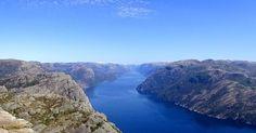 #norway #trail #fjord . . . . #aroundtheworld #beautiful #instatravel #mustsee #travel #instagood #weekendescape #photooftheday #discoverplaces #hiking #naturephoto #earthpix #instapic #landscape #inspiration #wanderer #tourdumonde #tdm #voyage #paysage #ideevoyage #balade #randonnee #viajar #findeviaje #turismo #senderismo http://tipsrazzi.com/ipost/1523431636799910838/?code=BUkUQCPDPO2