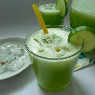 Stevia Recipes - Cooking With Stevia: No Added Sugar Low Glycemic Buttermilk Avocado Smoothie Recipe Using Stevia Stevia Recipes, Low Glycemic Diet, Banana Drinks, Avocado Smoothie, Fat Burning Detox Drinks, Peanut Butter Banana, Recipe Using, Smoothie Recipes, Smoothies