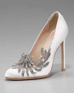 perfect shoes for the perfect day. if only they weren't $1,295 :)