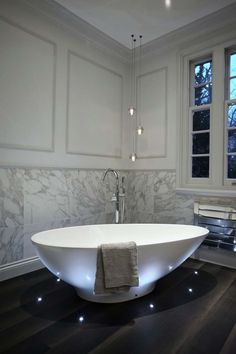 2015 Best of Bathroom design.amazing free standing tub with amazingly thoughtful floor lighting. I love the floor lighting (Denise) Dream Bathrooms, Beautiful Bathrooms, Sweet Home, Interior Exterior, Home Living, Interiores Design, Bathroom Inspiration, Kitchen And Bath, Kitchen Walls